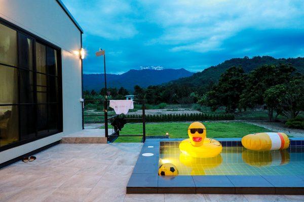 chaom-pool-villa-saraburi